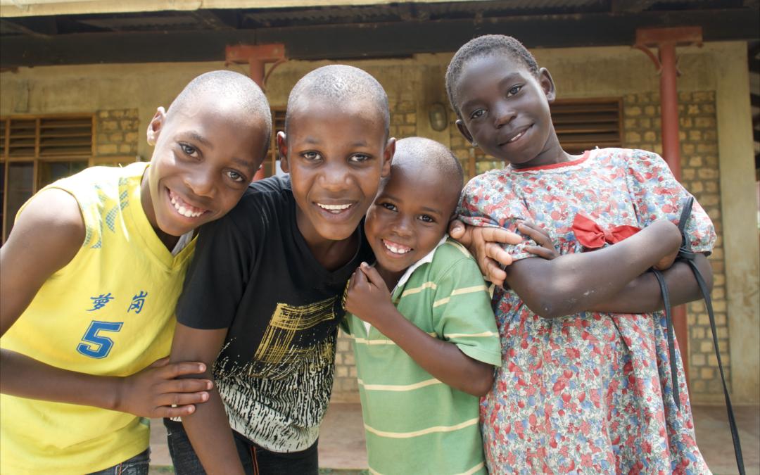 Kirkebesøg i Uganda med Try Medics